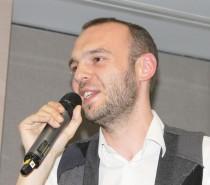 Nicolas Auzou de l'équipe de Wassilios Meissner présentant le projet à Aptes
