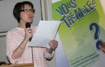 Roselyne Radigue, secrétaire de Aptes, lit le discours de Maria Depretto